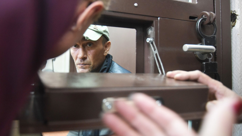 Суд арестовал повредившего картину Репина в Третьяковке