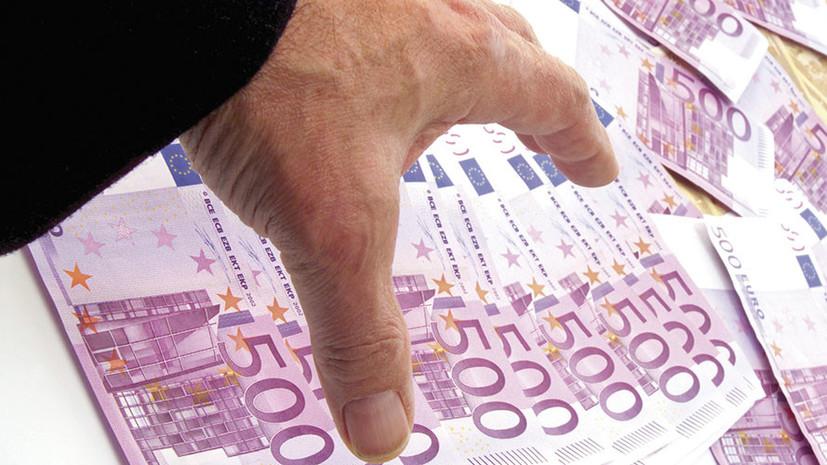 Пересчитали и потеряли: СК обнаружил пропажу €3 млн, изъятых из квартиры бывшего полицейского Захарченко