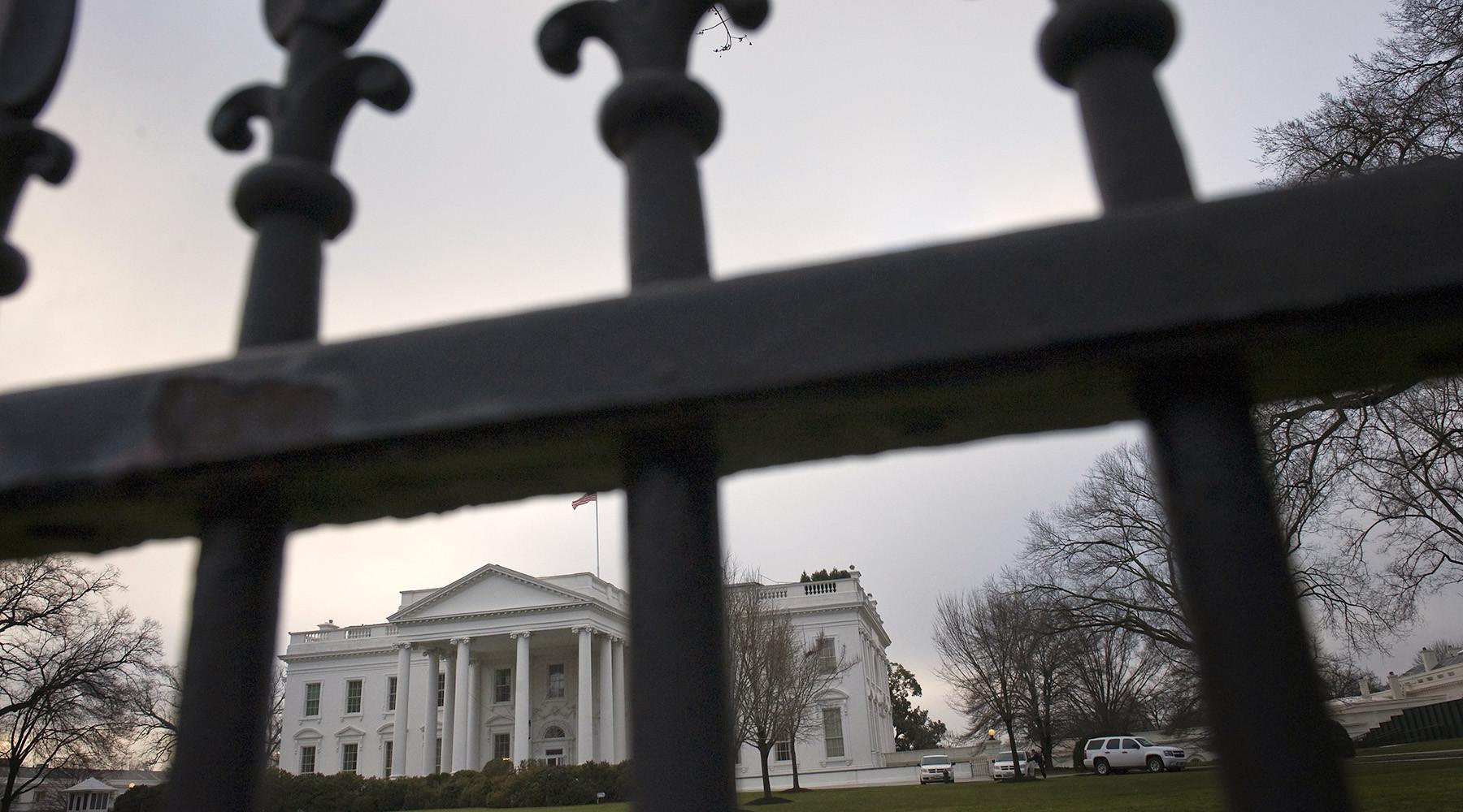 Кто и зачем организует утечки информации из Белого Дома
