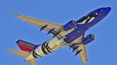 СМИ: Самолёт Southwest Airlines совершил экстренную посадку из-за разбитого иллюминатора