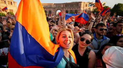Могерини и Саркисян обсудили ситуацию в Армении