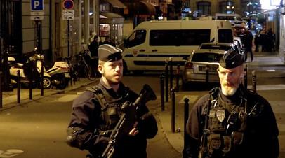 Посольство России запросило власти Франции о гражданстве напавшего на прохожих в Париже