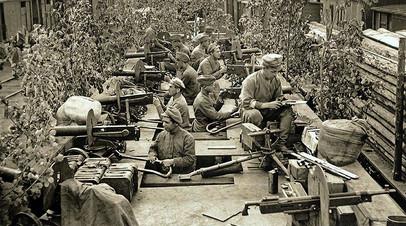 Большевистский бронепоезд «Ленин», захваченный чехословацкими военными 22 июля 1918 года во время боёв на подступах к Симбирску и переименованный в «Орлик»