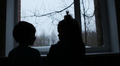 Россиянка оспаривает у иностранцев право на усыновление ребёнка из детдома