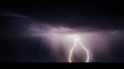 На Урале около 30 тысяч человек остались без света из-за грозы