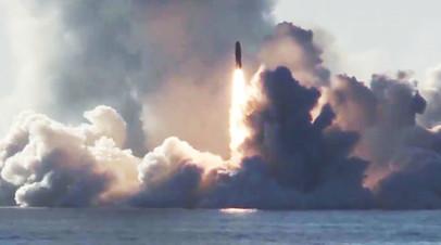 Запуск ракеты «Булава» по полигону Кура с подводного крейсера «Юрий Долгорукий» в Белом море