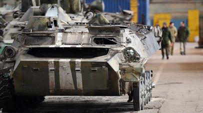 На заводе по ремонту и восстановлению военной техники
