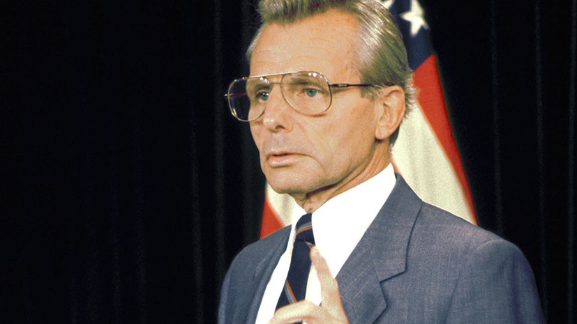 Умер экс-министр обороны США Фрэнк Карлуччи