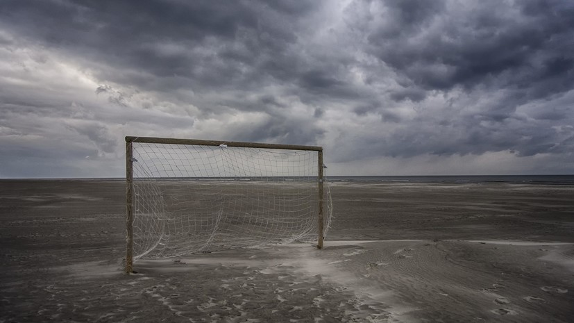 В Кировской области проводят проверку из-за падения футбольных ворот на ребёнка