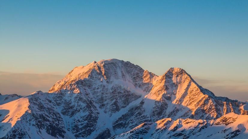Заблудившиеся на Эльбрусе иностранные альпинисты найдены