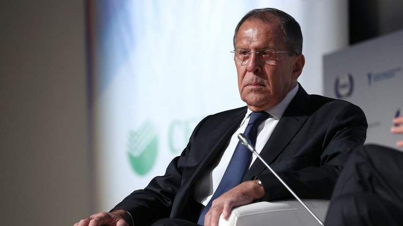 Глава МИД Армении назвал легендарными дипломатические качества Лаврова