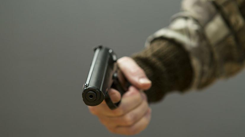 Неизвестный устроил стрельбу рядом с гимназией в Челябинске