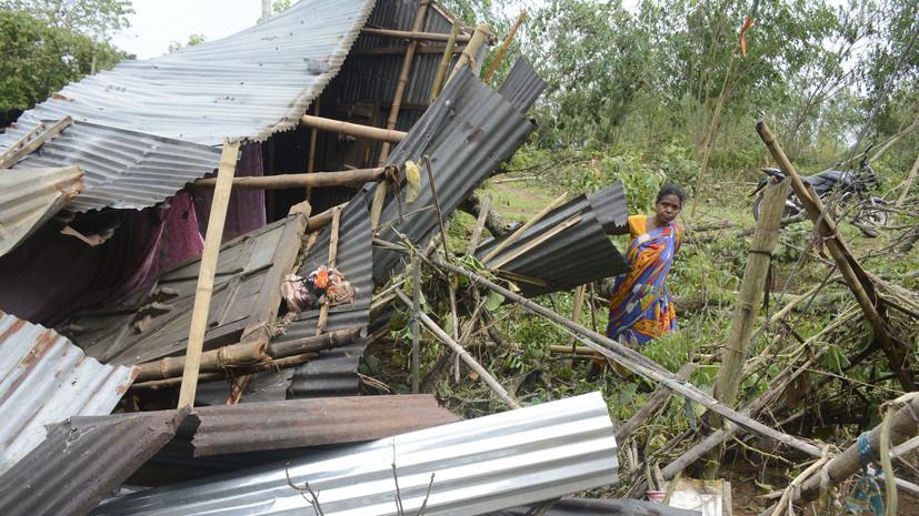В Индии по меньшей мере 30 человек погибли из-за шторма