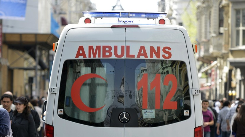 Российский подросток госпитализирован в Турции после обнаружения в бассейне без сознания