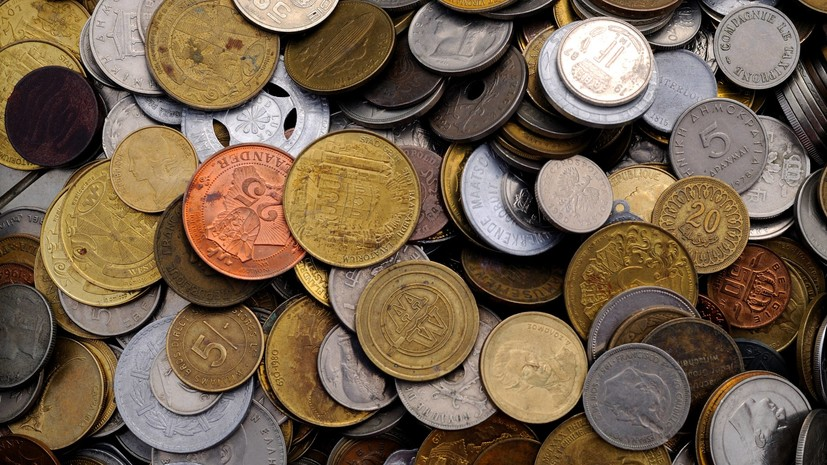 Таможенники в Крыму пресекли ввоз с Украины коллекции монет и медалей