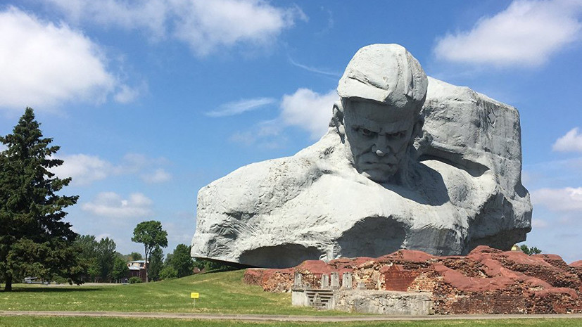 Опрос: более 50% граждан России почтят память советских воинов в День памяти и скорби