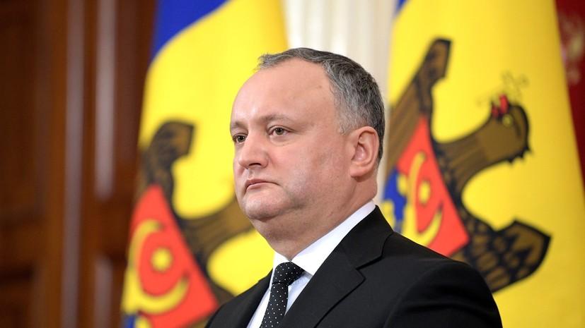 Президент Молдавии Игорь Додон возложил цветы к мемориальному комплексу «Вечность»