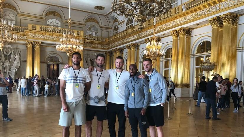 «Их восхитила роскошь имперской России»: как сборная Англии знакомилась с достопримечательностями Санкт-Петербурга