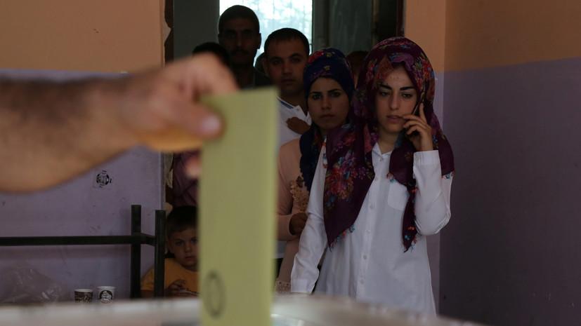 Прославившийся благодаря фирменному жесту турецкий повар проголосовал на выборах