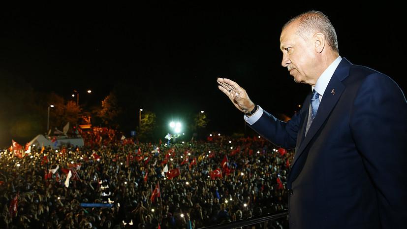 Порошенко поздравил Эрдогана с победой на президентских выборах