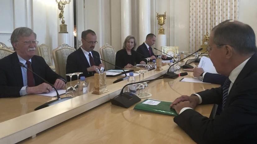 Лавров обсудил с советником Трампа ситуацию в Сирии и на Украине