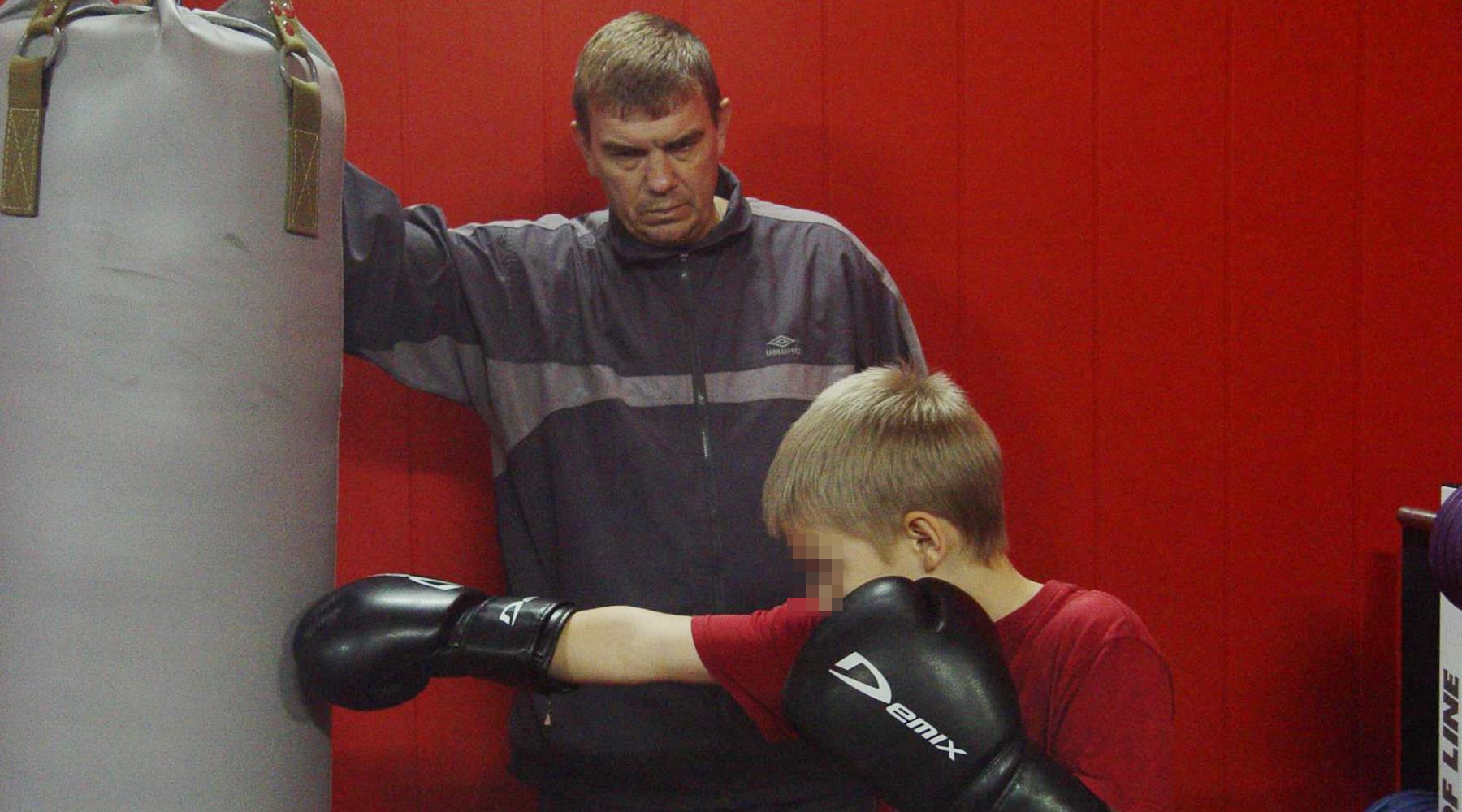 Тренеру бокса в астраханском посёлке не дают создать секцию на формальных основаниях