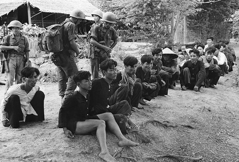 Как пытки и казни стали методами борьбы американских спецслужб с партизанами во Вьетнаме (ФОТО)