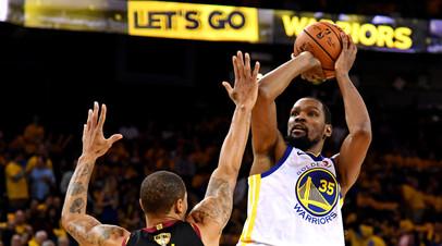 «Голден Стэйт» в овертайме обыграл «Кливленд» в первом матче серии финала плей-офф НБА