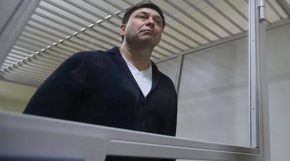 Адвокат заявил, что прошение об отказе Вышинского от украинского гражданства отправлено Порошенко