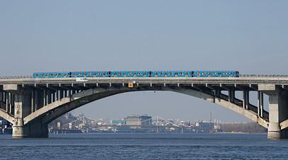 Мост Метро в Киеве, 2017 год