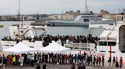 Прибытие африканских беженцев в ЕС морским путём