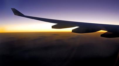 Летевший из Москвы самолёт совершил экстренную посадку в Калининграде