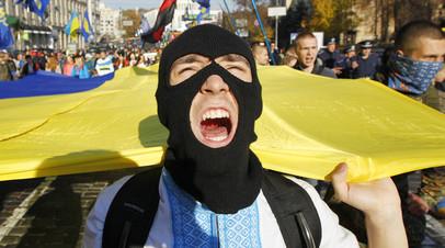 Украинский радикал на митинге
