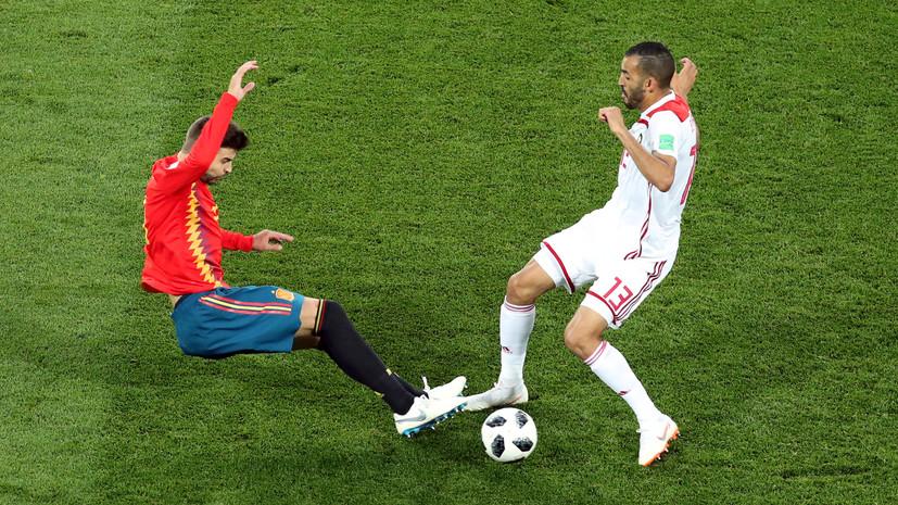 СМИ: Испанский футболист Пике может пропустить матч с Россией из-за травмы