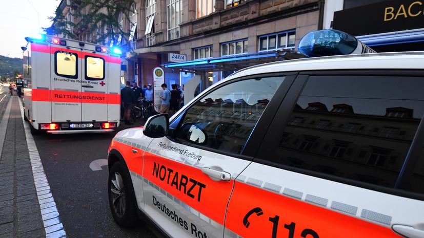 Более 40 человек пострадали при столкновении автобуса с детьми со «скорой помощью» в Германии