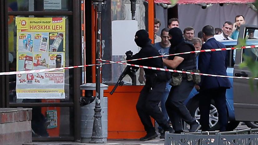 Удерживавший в заложниках сотрудницу магазина на севере Москвы задержан