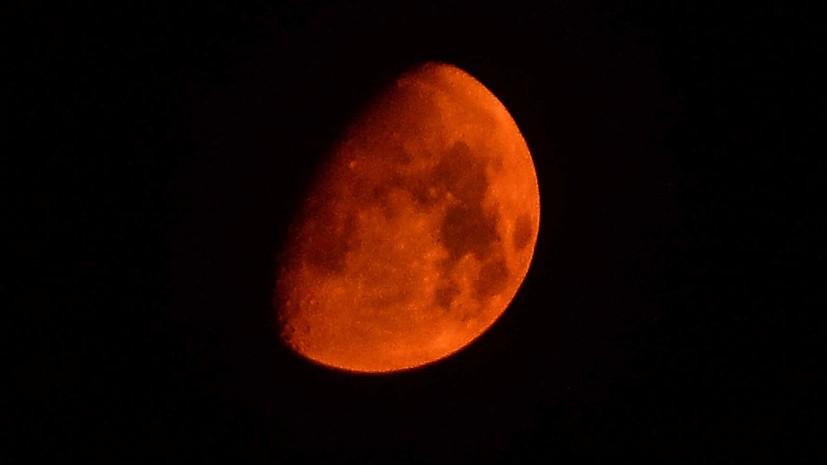 Багровая ночь: в конце июля земляне увидят кровавую Луну и великое противостояние Марса
