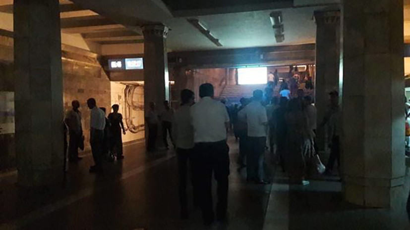 Все станции метро в Баку закрыли из-за отключения электричества