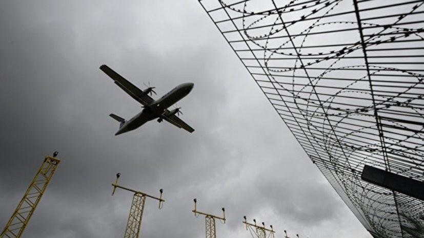 Самолет изТурции сел вмосковском аэропорту сосломанным шасси