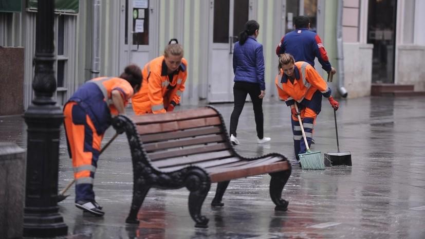 В дни ЧМ-2018 в Москве заменили 600 сломанных скамеек