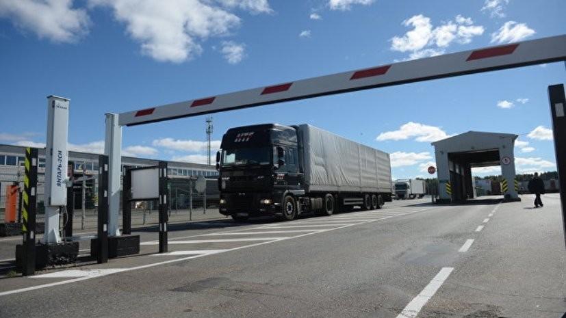 Челябинский омбудсмен проверила ситуацию с задержанными на таможенном посту дальнобойщиками