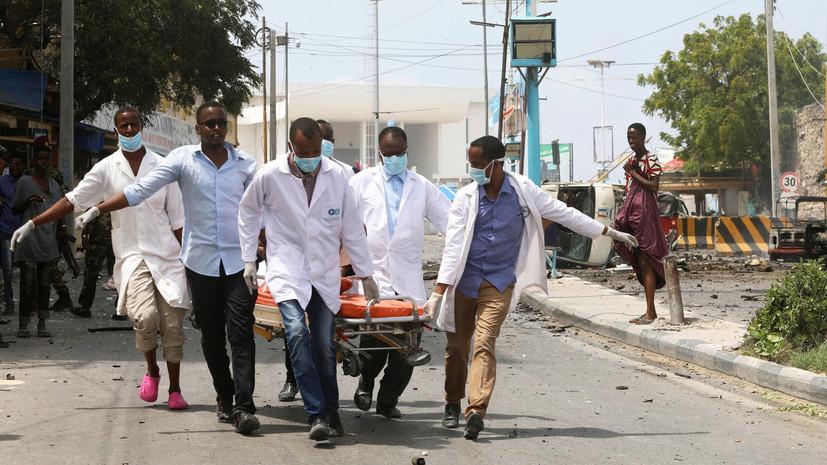 Число погибших в серии взрывов в Сомали возросло до 12