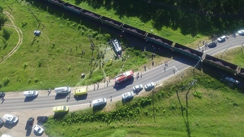 В Орле в ДТП с микроавтобусом и грузовиком погибли два человека