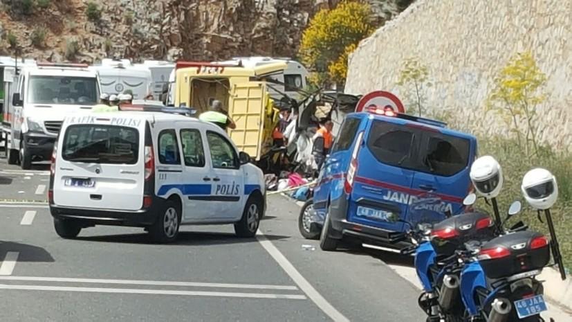 В Турции в ДТП пострадали шесть российских туристов
