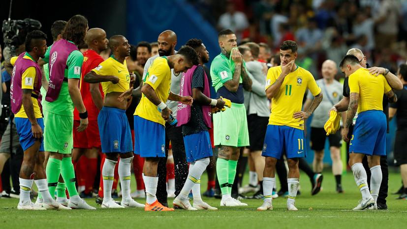 СМИ: Автобус сборной Бразилии забросали яйцами после возвращения команды с ЧМ-2018