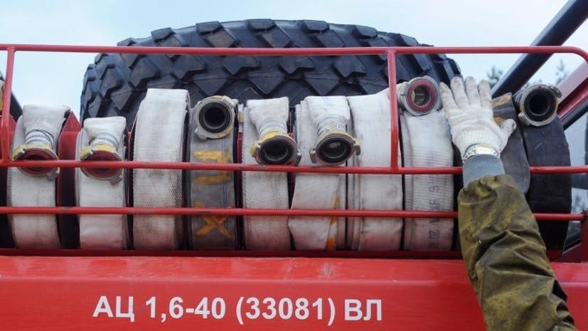 Площадь пожара на складах в Екатеринбурге достигла 800 квадратных метров