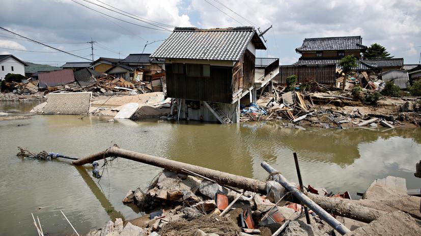 Число жертв последствий ливневых дождей в Японии возросло до 157