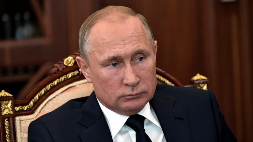 В Кремле рассказали о запланированных контактах Путина и Макрона в России