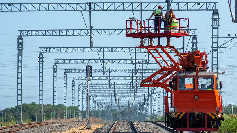 Рельсовый подход: как в Тамани проходит завершающий этап укладки железнодорожных путей к Крымскому мосту