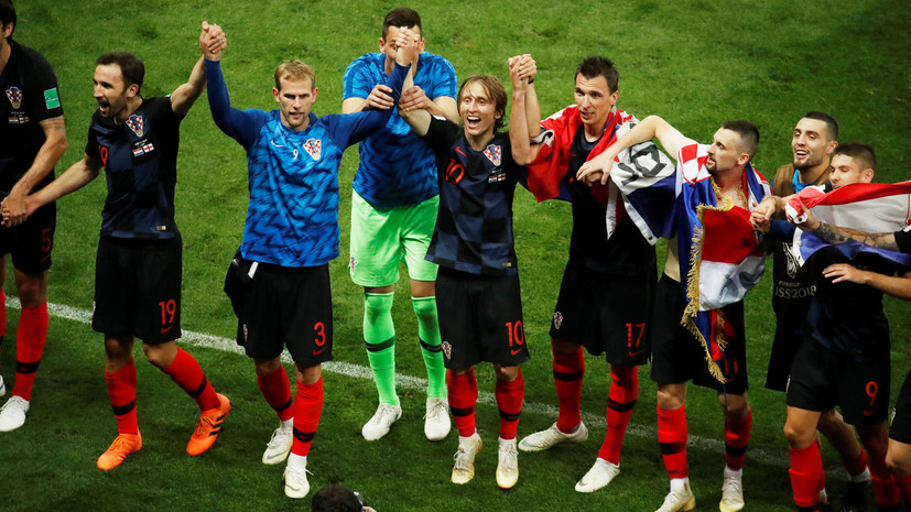Члены руководства Хорватии пришли на совещание вмайках футбольной сборной